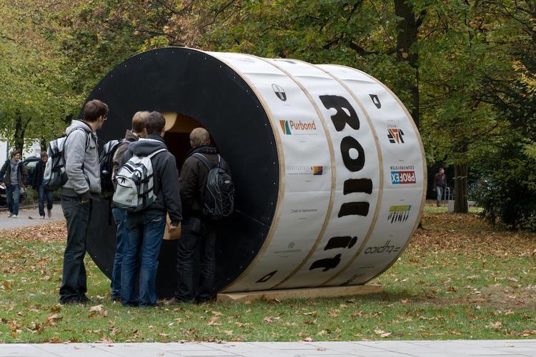 rolling-home-concept-flexible-minimum-house-space-7